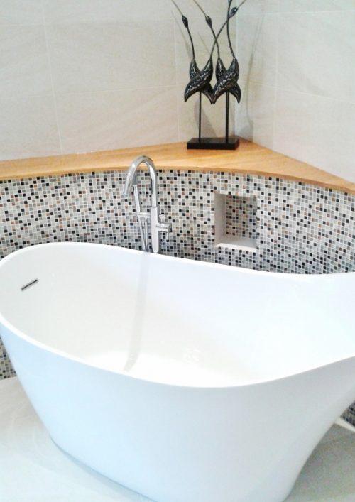 Stunning free-standing bath