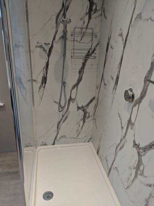 Marbled effect rectangular shower