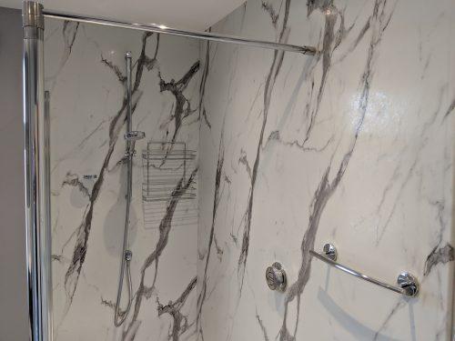 Marbled effect shower